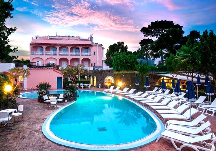 hotel-regina-palace