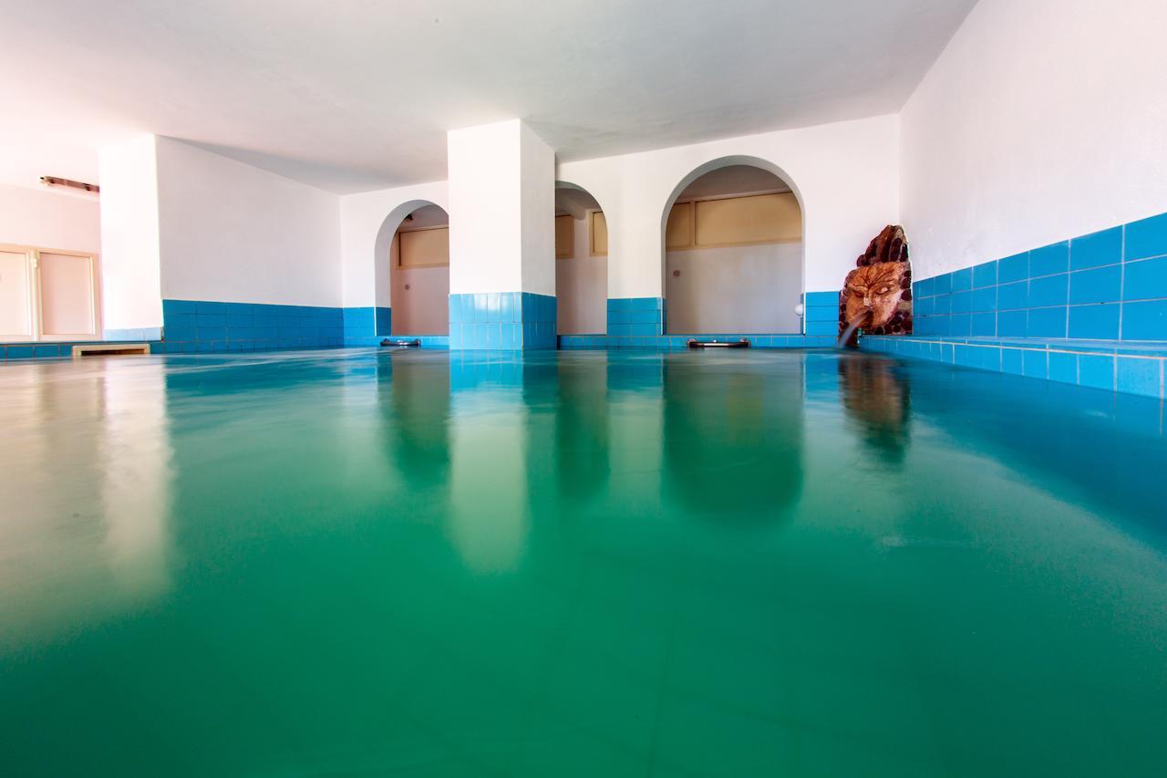 piscina-coperta-hotel-la-mandorla-ischia
