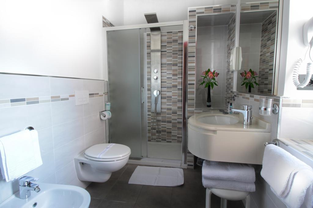 bagno-hotel-regina-palace-ischia