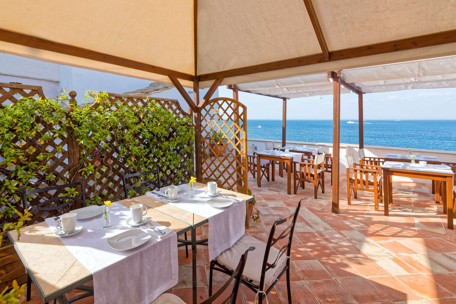 Ischia-Bed-and-Breakfast-Villa-Lieta-COLAZIONE-05-1920x1280