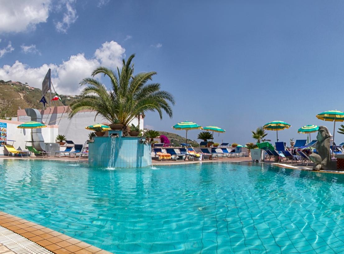 hotel-castiglione-village-forio-piscina