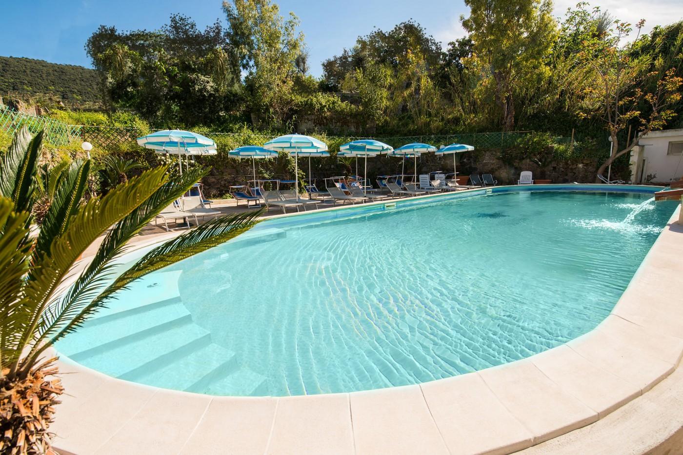 hotel-stella-maris-ischia-piscina-2